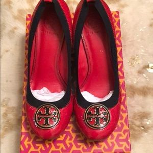 Tory Burch Lobster Red/Navy Trim Caroline Wedges